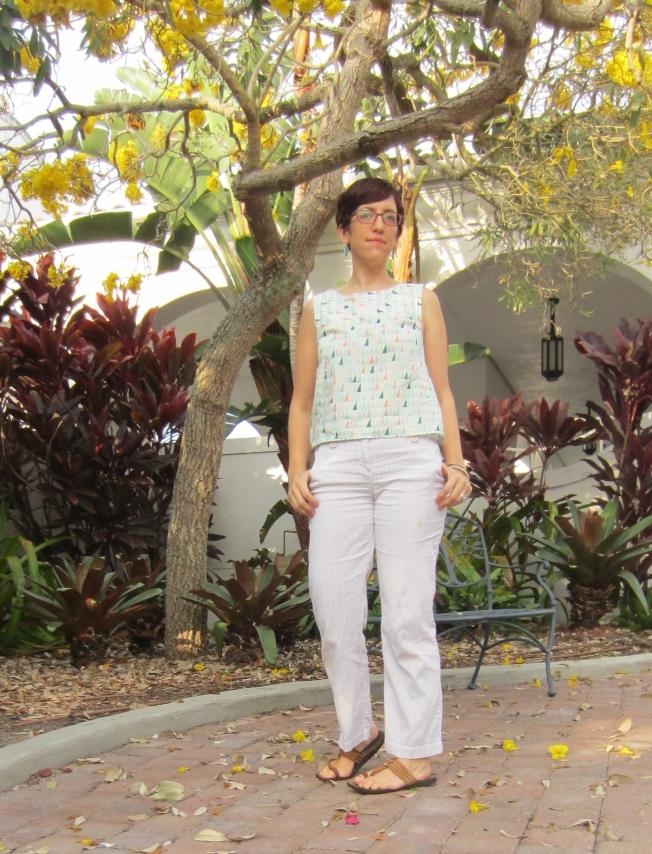 V1382 Top Miss Bossy Patterns Sew Pomona